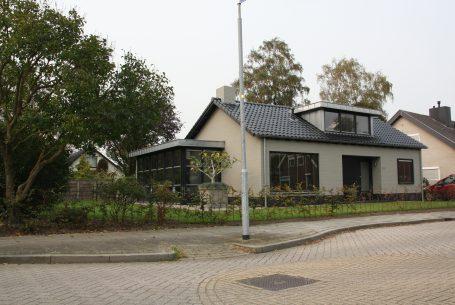 Verbouwing, bungalow, Beneden-Leeuwen